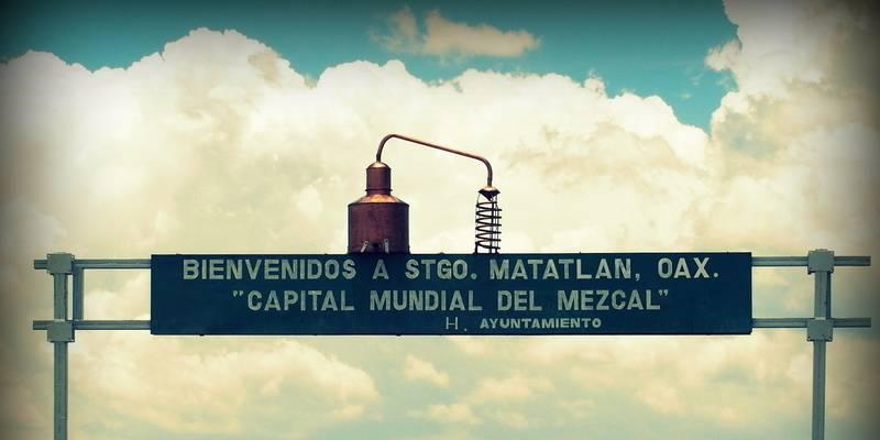 Dorfeingang von Santiago Matatlán (© 7Espinas)